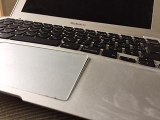 macbook歪んでいる