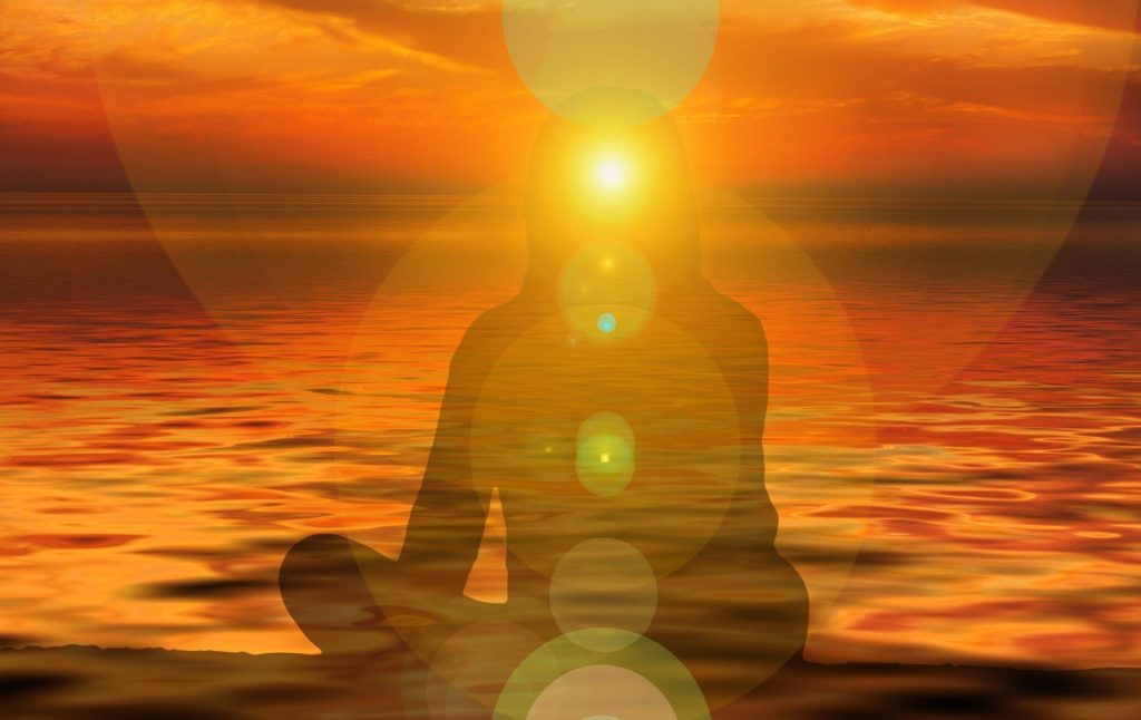 オンラインクラス Yoga×NVC ~エネルギーを感じて、流れに乗る~